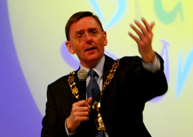 Mayor_sir_robin_wales