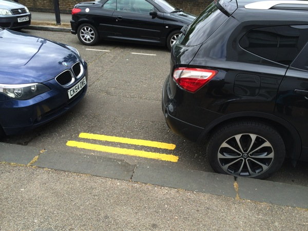 Garman Rd Yellow Lines